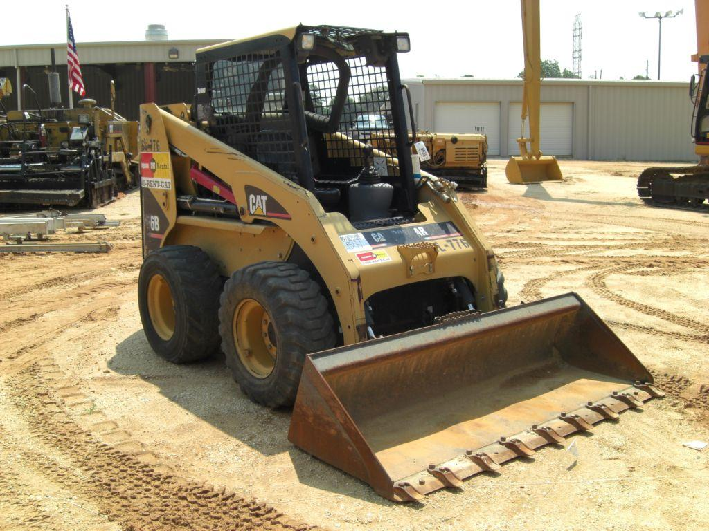 caterpillar 236B skid steer