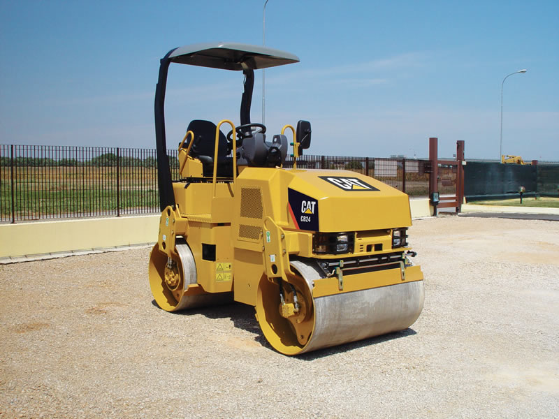 caterpillar vibrating compactor