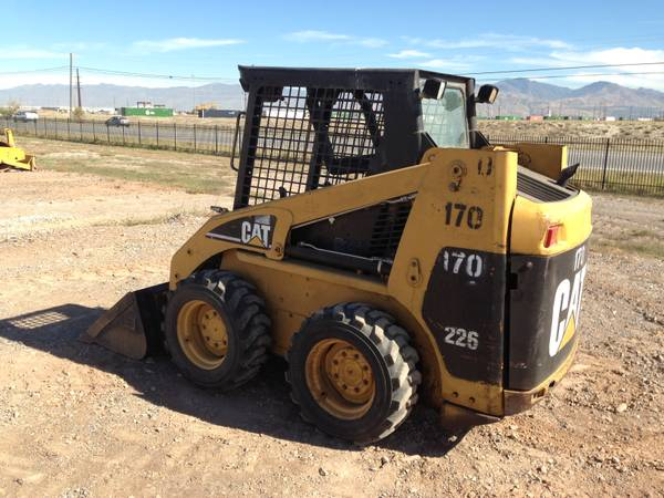Caterpillar 226 Skid Steer Loader-1